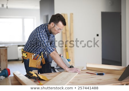 peinzend · timmerman · man · hout · bouw · ruimte - stockfoto © is2