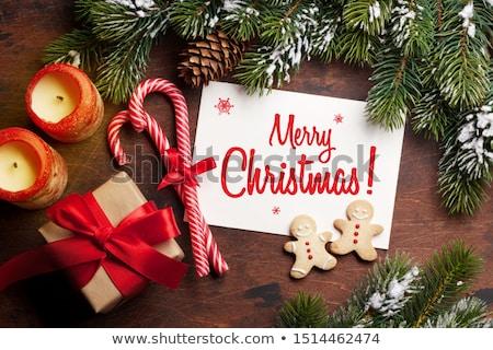 Karácsony ajándék doboz mézeskalács sütik fenyőfa ág Stock fotó © karandaev