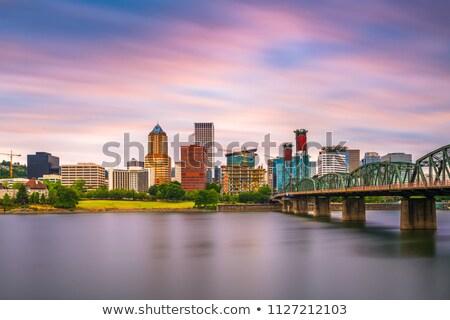 Oregon · folyó · szürkület · város · sziluett · gyalogos - stock fotó © Rigucci