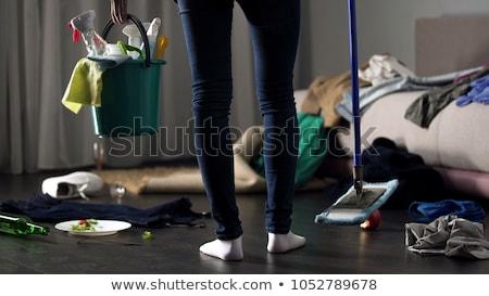 女性 立って 乱雑な ルーム バケット 低い ストックフォト © AndreyPopov