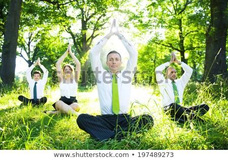 Foto stock: Yoga · sonriendo · jóvenes · oficina · negocios