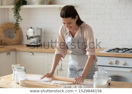 fiatal · női · séfek · friss · étel · konyhapult · kávéház - stock fotó © dash