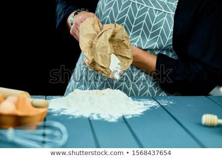 Hombre harina bolsa mesa masculina manos Foto stock © Illia