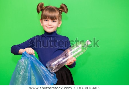 little · girl · reciclagem · criança · mundo · garrafa - foto stock © photography33