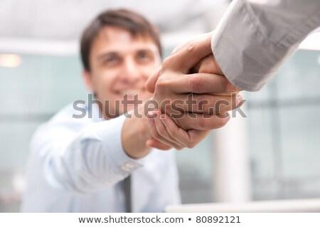 primer · plano · gente · de · negocios · apretón · de · manos · blanco · mano · trabajo - foto stock © zurijeta
