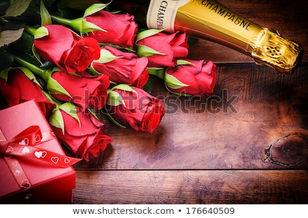 cereza · champán · fiesta · luz · restaurante · mesa - foto stock © karandaev