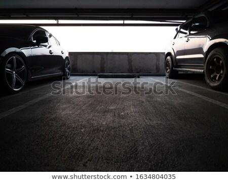 Sucia subterráneo aparcamiento garaje uno coche Foto stock © blasbike