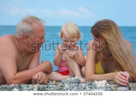 mãe · avô · criança · mentir · mar · costa - foto stock © Paha_L
