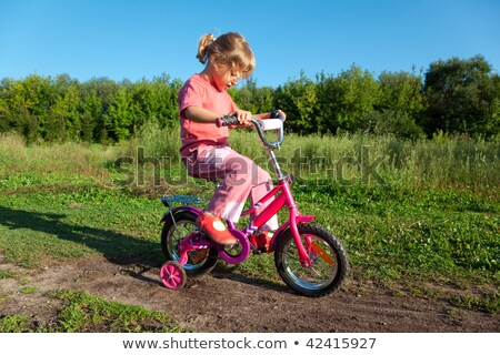 bambina · unità · rosa · bicicletta · parco · sport - foto d'archivio © Paha_L