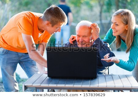 nagyszülők · unokák · notebook · gyerekek · arc · nők - stock fotó © Paha_L