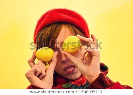 Piękna kobieta oczy cytrus cytryny stwarzające odizolowany Zdjęcia stock © deandrobot