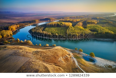 Danubio vecchio barca congelato fiume cielo Foto d'archivio © vladacanon