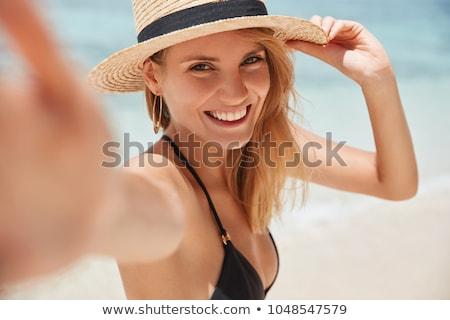 bela · mulher · sol · verde · prado · mulher · feliz - foto stock © pekour