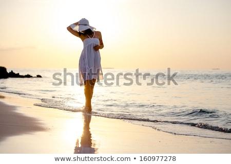 красивой брюнетка женщину тропические рай Lady Сток-фото © konradbak