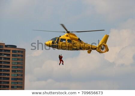 Vliegen Geel redding helikopter blauwe hemel hemel Stockfoto © manfredxy