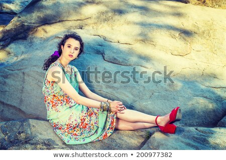 Mulher atraente vermelho sandálias atraente mulher loira Foto stock © stryjek