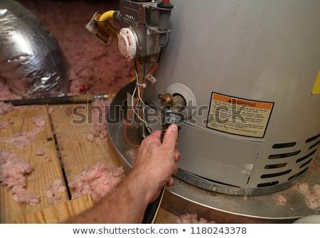 água aquecedor imagem casa janela garagem Foto stock © cteconsulting