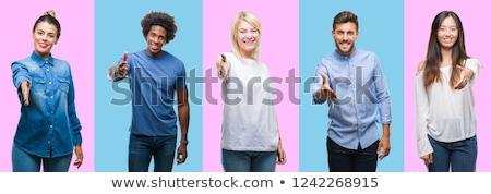Stock fotó: Fiatal · nő · felajánlás · kézfogás · ülő · asztal · üdvözlet