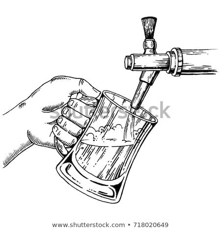 Hombre dibujo cerveza toque pub posada Foto stock © Kzenon