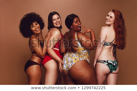 Zitvlak zwarte bikini mooie vrouw vrouw Stockfoto © ssuaphoto