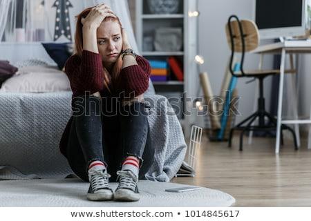 bunalımlı · genç · kız · depresyon · yüz · saç · üzücü - stok fotoğraf © krysek