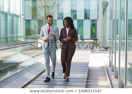 男 女性 徒歩 ダウン 通り 色 ストックフォト © IS2