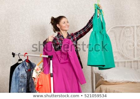jeunes · femmes · Shopping · vêtements · magasin · deux · heureux - photo stock © boggy