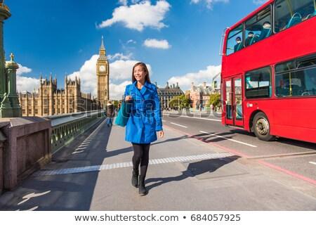 Londyn podróży turystycznych spaceru tower Bridge ulicy Zdjęcia stock © Maridav
