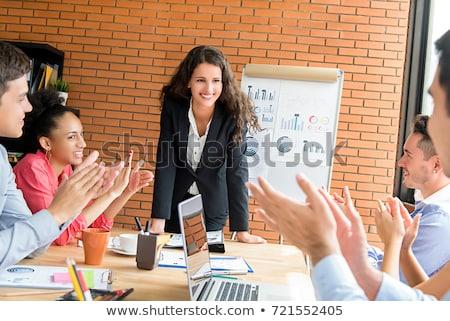 Sonriendo hermosa mujer de negocios presentación oficina mujeres Foto stock © wavebreak_media
