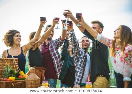 Grupy młodych znajomych kemping kobieta Zdjęcia stock © HighwayStarz