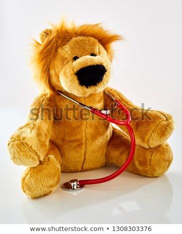 Pediatra recheado tenha escuta batida de coração médico Foto stock © ivonnewierink