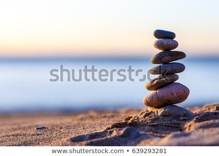 Pedra praia céu água Foto stock © compuinfoto