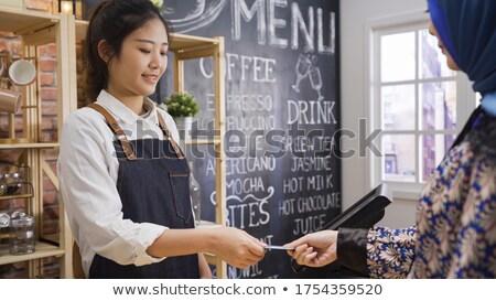 Deux personnes comprimé carte achats en ligne service clients réseau Photo stock © Freedomz