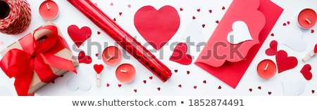 liefde · brief · meisje · briefkaart · hand · glimlach - stockfoto © stevanovicigor