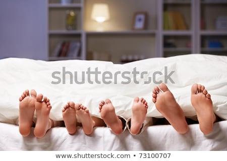 Família pé fora cobertor meias criança Foto stock © wavebreak_media