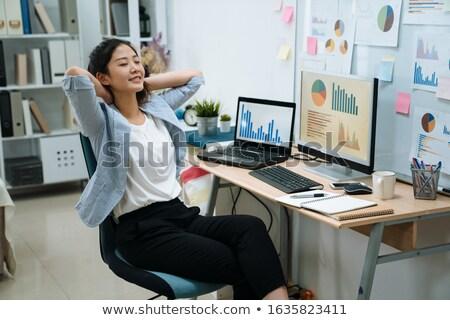 Nő elvesz törik vonzó fiatal nő megnyugtató Stock fotó © studiofi