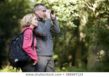 Couple observation des oiseaux femme homme forêt nature Photo stock © IS2