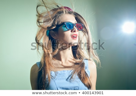 Podniecony młoda kobieta czerwony niebieski okulary 3d twarz Zdjęcia stock © dolgachov