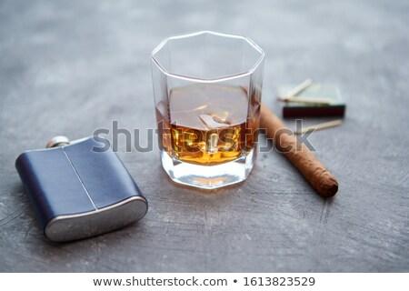 Szkła whisky lodu duży kubańczyk cygara Zdjęcia stock © dash