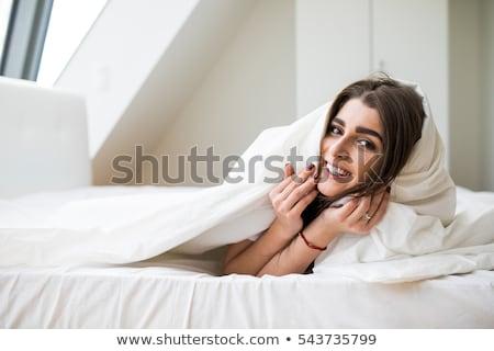 donna · testa · cuscino · dormire · letto · faccia - foto d'archivio © wavebreak_media