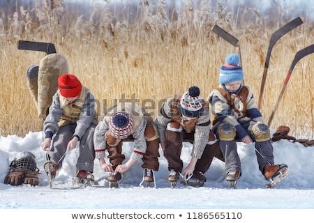 Garçon jouer neige sourire heureux Photo stock © emese73