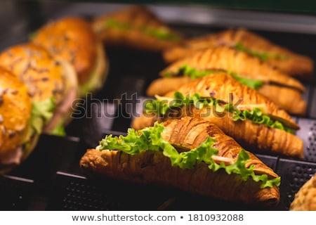 pequeno · sanduíche · presunto · queijo · tomates - foto stock © smuki