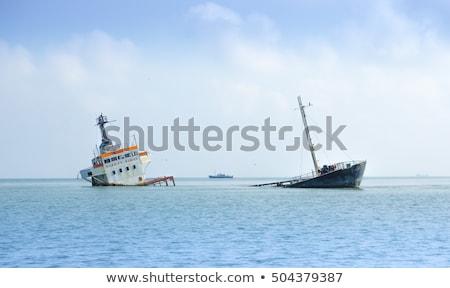 Süllyed hajó válság csónak veszélyes vihar Stock fotó © Lightsource