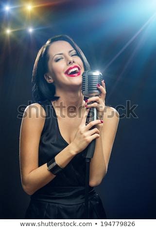 Foto stock: Retrato · belo · morena · retro · microfone · mulher
