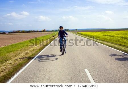 Jongen fiets tour hemel weg Stockfoto © meinzahn