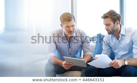 Işadamları konuşma ofis Internet teknoloji işadamı Stok fotoğraf © IS2