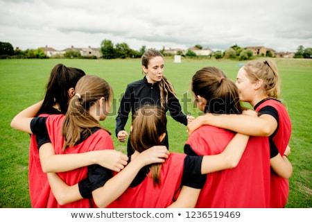 koç · kızlar · spor · takımı · okul · çim · alanı - stok fotoğraf © matimix