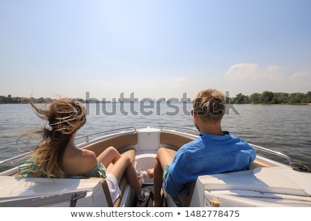 kadın · adam · kürek · çekme · tekne · göl · sevmek - stok fotoğraf © photography33