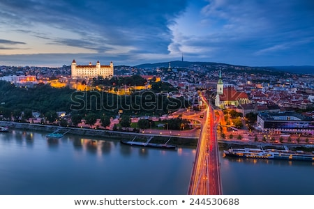 Foto stock: Bratislava · noite · Eslováquia · nuvens · edifício · pôr · do · sol