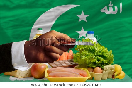 Buying Groceries With Credit Card In Comoros Foto stock © vepar5